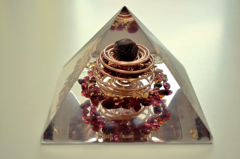 "Orgone orgonite Pyramid, powerful, garnet, almandine, quartz, vortex coil (10cm, 4"") Wealth, Money, Sexuality, Reiki infused, EMF protection"