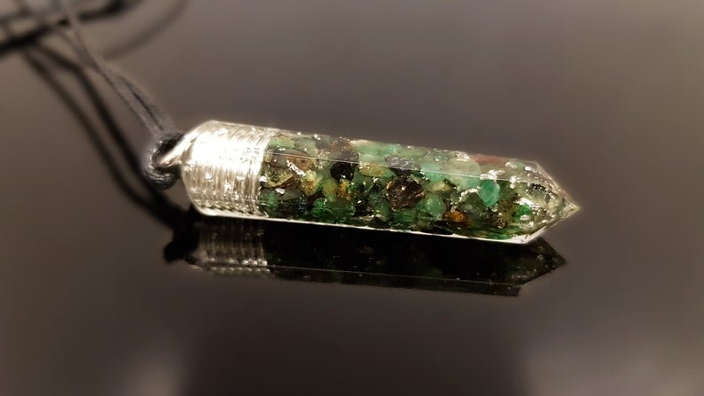 Orgone energy pendant, silver, Powerful natural Emerald, Reiki chakra healing, strong programmed amulet, love, wealth, EMF protection